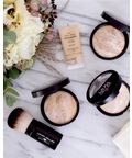 Laura Geller Balance-n-Brighten Baked Foundation 1 Thumbnail