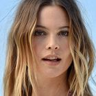 Reported Kat Burki Vitamin C Nourishing Cleansing Balm fan Behati Prinsloo