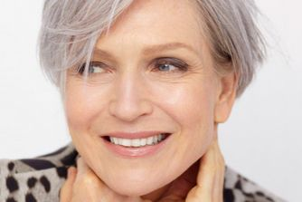 10 Make Up Tips To Make You Look Years Younger
