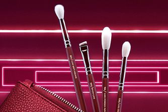 Spice up your life with these exclusive make up brush sets