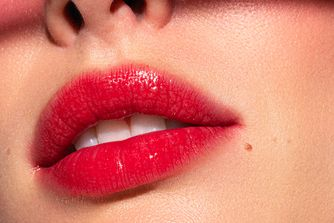 7 red lipsticks to dress up your loungewear