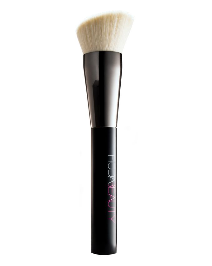 826236d6cf3 Huda Beauty | Face Buff & Blend Brush | Cult Beauty