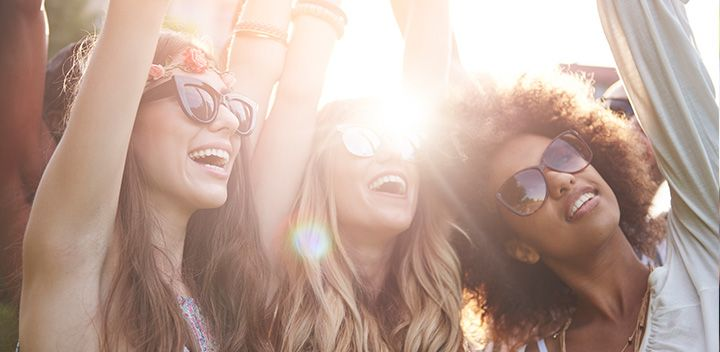 LOOK FLAWLESS IN FIELDS WITH THESE FESTIVAL MUST-HAVES