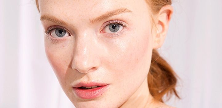 RELIEVE SKIN'S SENSITIVITY WITH THESE GENTLE ESSENTIALS