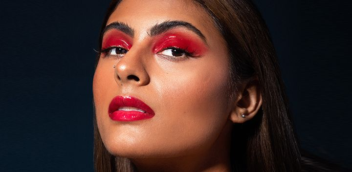 PARTY-PROOF YOUR LOOK WITH TRICKS TO MAKE YOUR MAKE UP LAST ALL NIGHT